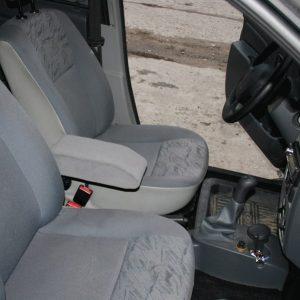 Подлокотник откидной Renault Logan